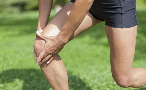 膝关节骨挫伤怎么治疗?